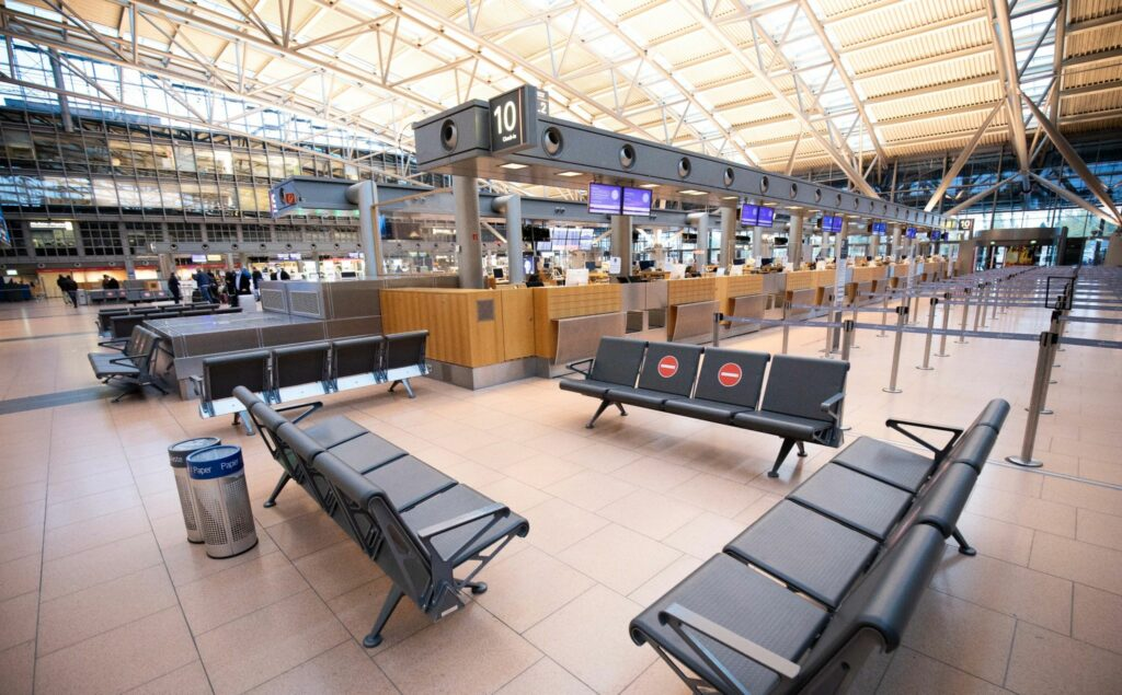 Kaum jemand fliegt: Flughäfen finanziell vor Belastungstest