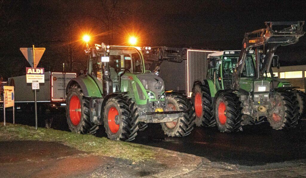 Streit um Butterpreis - Landwirte blockieren Aldi-Lager